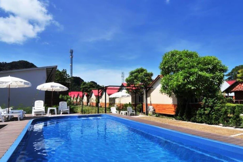 Tropical bliss bungalow with air con on Phi Phi วิลลา 1 ห้องนอน 1 ห้องน้ำส่วนตัว ขนาด 80 ตร.ม. – โละบาเกา
