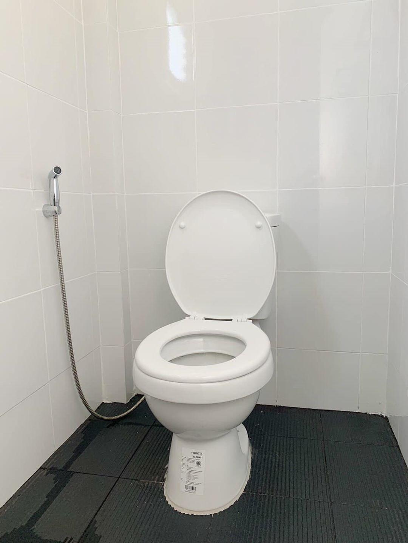 Naangpaya Homestay บังกะโล 10 ห้องนอน 10 ห้องน้ำส่วนตัว ขนาด 24 ตร.ม. – ลาดหญ้า