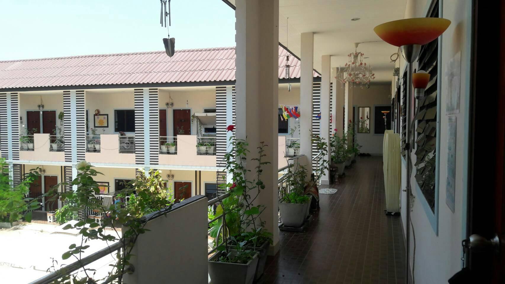 Ban Suan Kularb Surat Thani AirCon Room 4 สตูดิโอ อพาร์ตเมนต์ 1 ห้องน้ำส่วนตัว ขนาด 30 ตร.ม. – ซิตี้เซ็นเตอร์