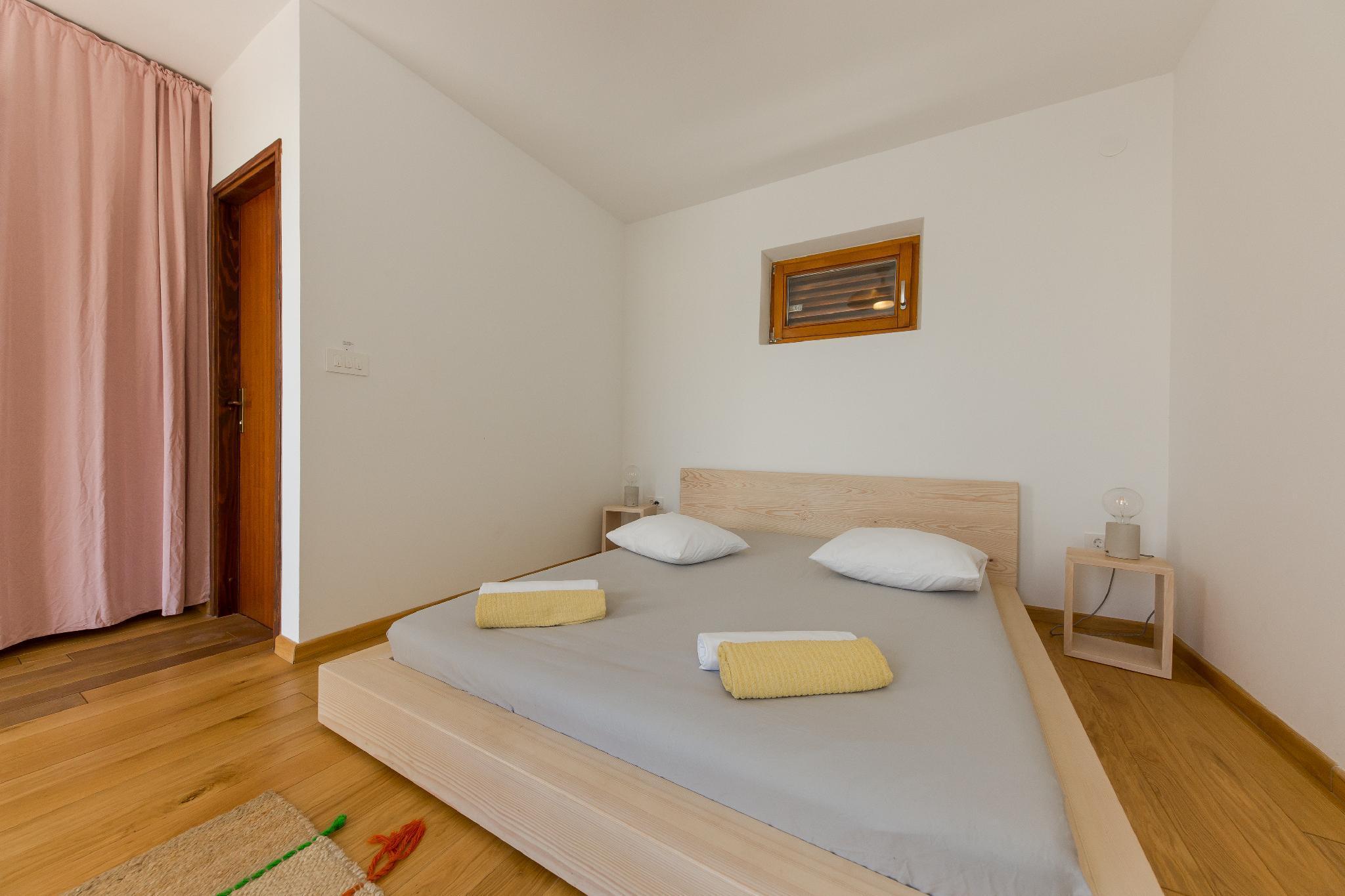 Room For 2 In Casa Dubi. Hvar Town