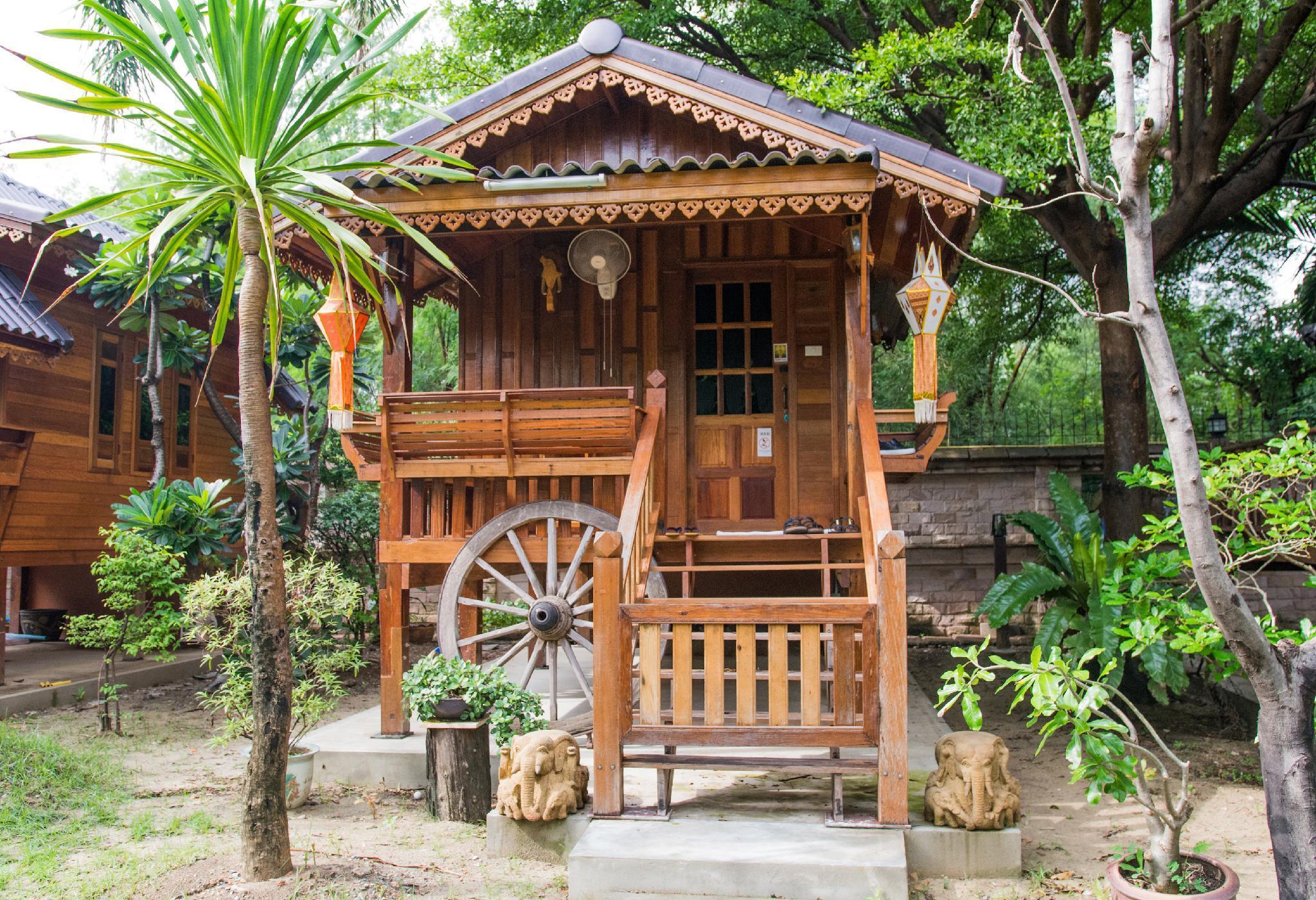 Thai Woodhouse   Elephant Room