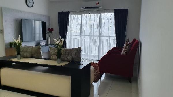 Triple Roses Homestay at Emira Residence Shah Alam