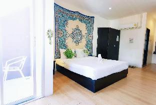 Patong Beach Balcony queen Room#Near bangla road อพาร์ตเมนต์ 1 ห้องนอน 1 ห้องน้ำส่วนตัว ขนาด 30 ตร.ม. – ป่าตอง