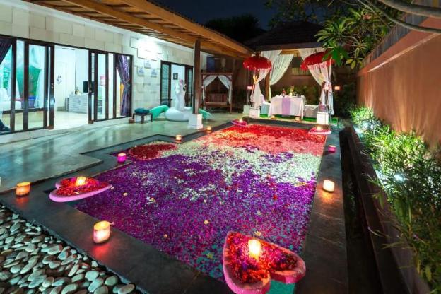 1BR Honeymoon Villawith Private Pool In Kuta