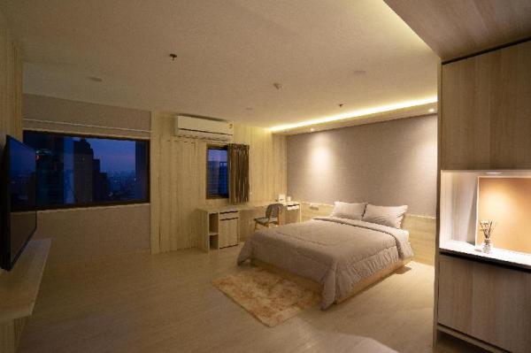 Brand new 35SQM Studio-Room -One Step From BTS Ari Bangkok