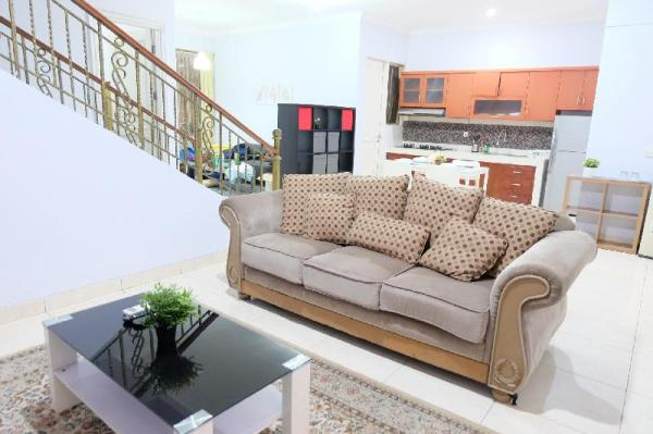 3 BR house in the cluster Tangerang