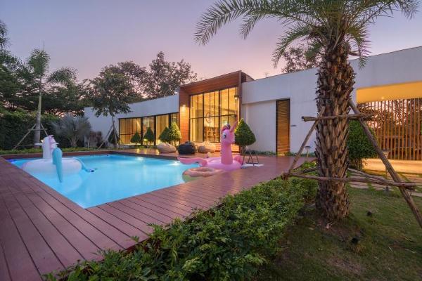 VSafeHouse Pakchong Pool Villa Khao Yai