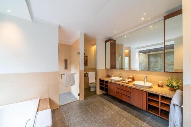 8 Bedroom Villas for Group at Ubud