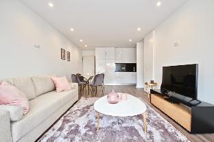 Savory Pink Apartment  Sete Rios  Lisbon   New