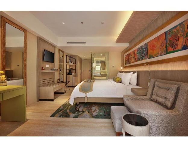 1 Premium Room with Balcony Breakfast outdoor pool