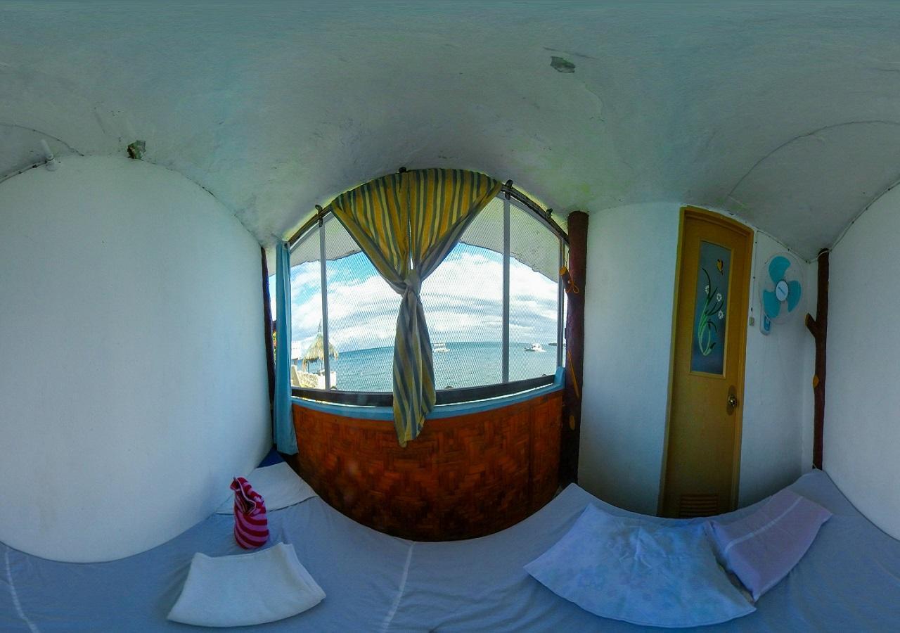 SHRV, Triangle seaside room