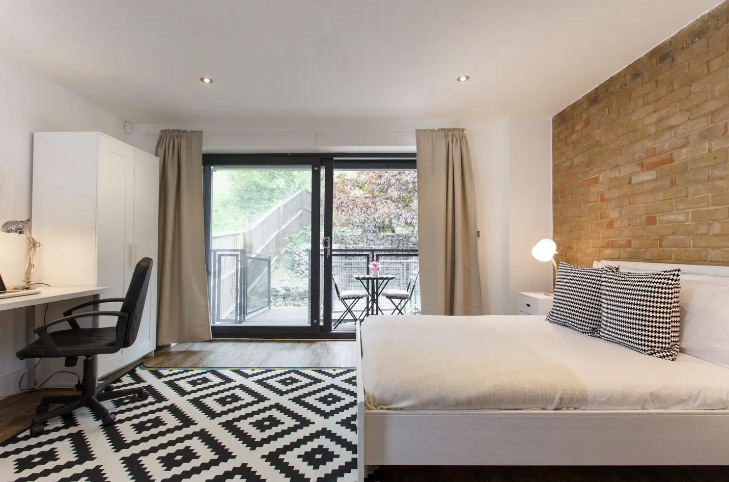 Manor House Studio Apartment C with terrace