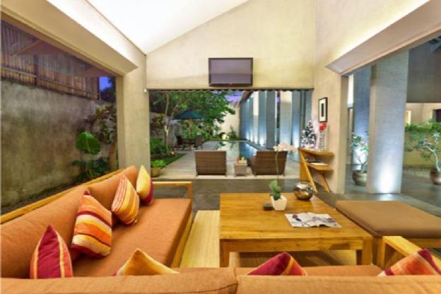 1 BR luxurious Villa W/B'fast