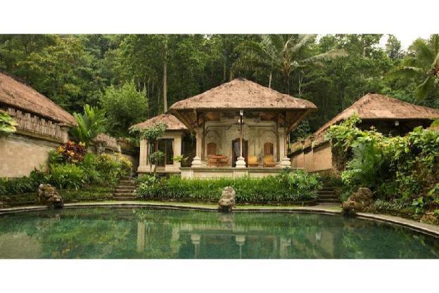 1BR villas set within a riverside organic farm