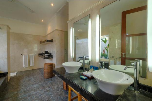 4 BR Luxury Private Pool Villa + Breakfast, Wifi