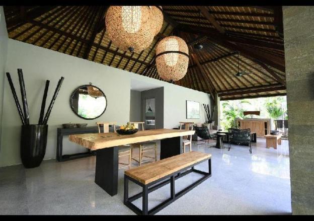 3BR Family Gathering Villa at Seminyak Bali