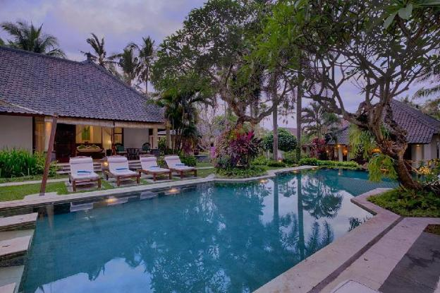 4 Bedroom Pool Villa Garden View - Breakfast