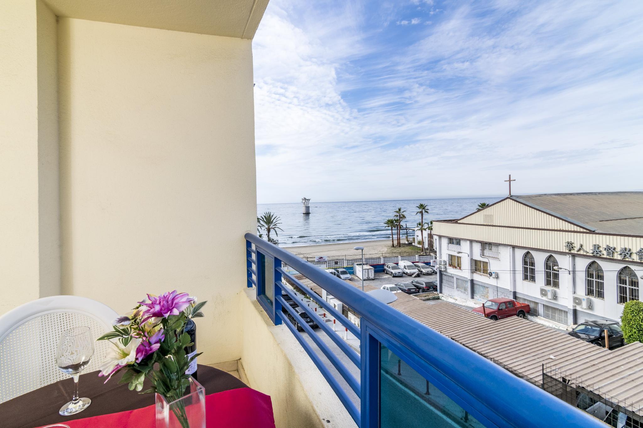 Stunning Apartment on the beach 358