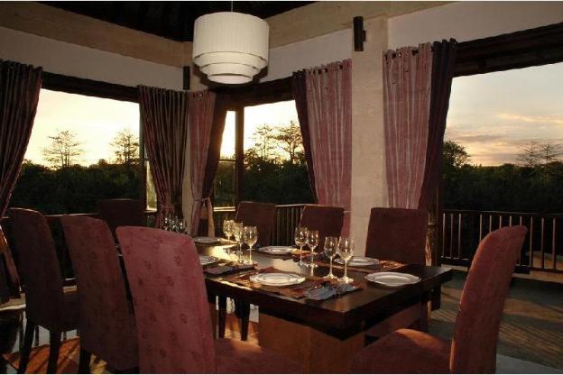 Four Bedrooms Lavish Stunning Villa at Jimbaran
