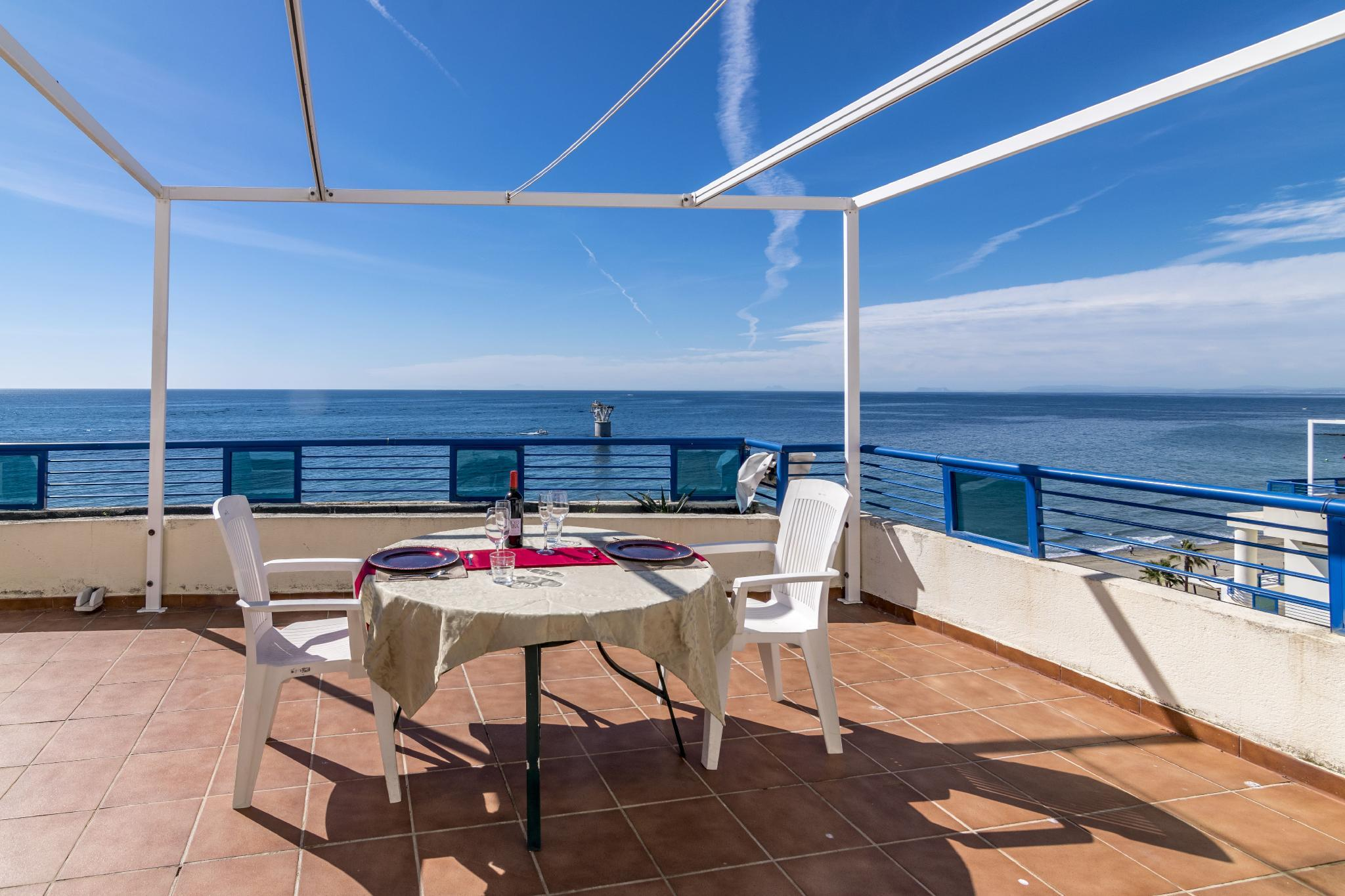 Frontal sea views penthouse 382