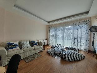 [ラチャダー]一軒家(160m2)| 4ベッドルーム/3バスルーム 4BR townhome above minimart, MRT, Super Convenient