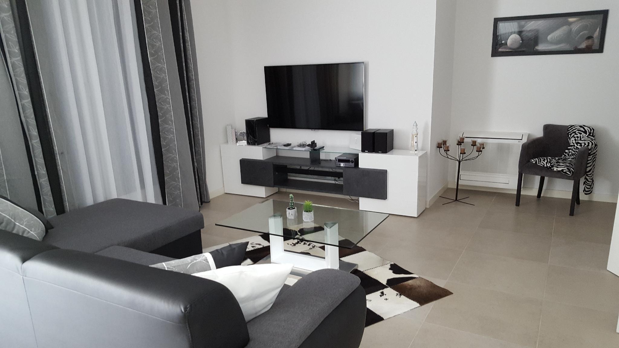 Beach Apartment Slatine 4+2 Mit Balkon D2