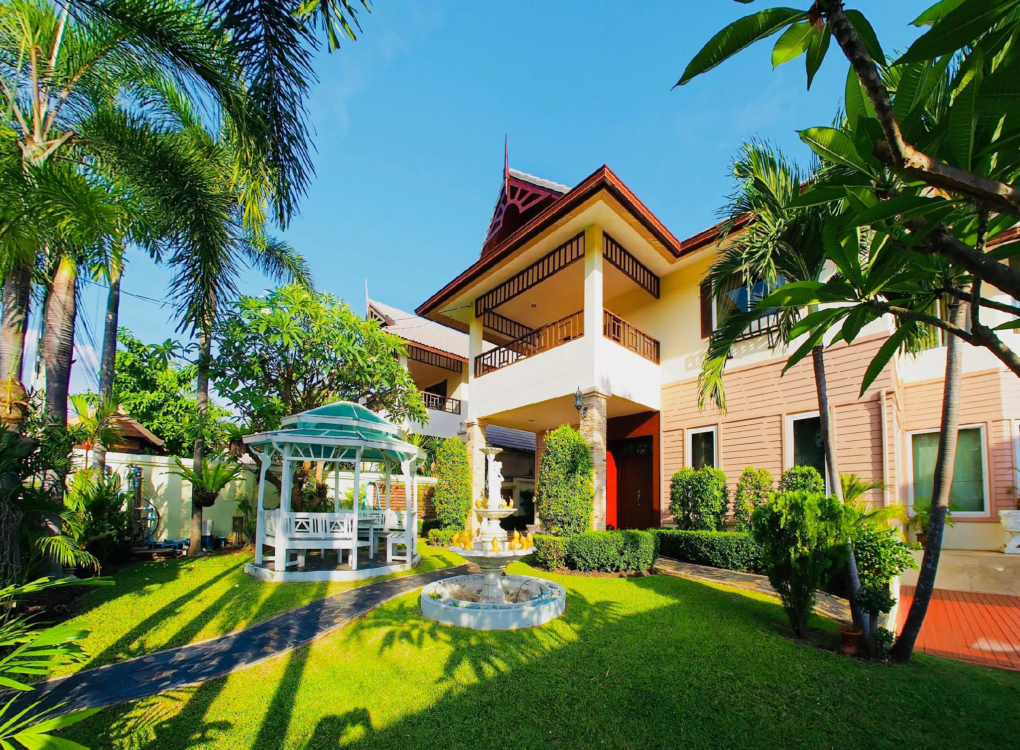 FARAH HOUSE By THE SIGNATURE VILLA