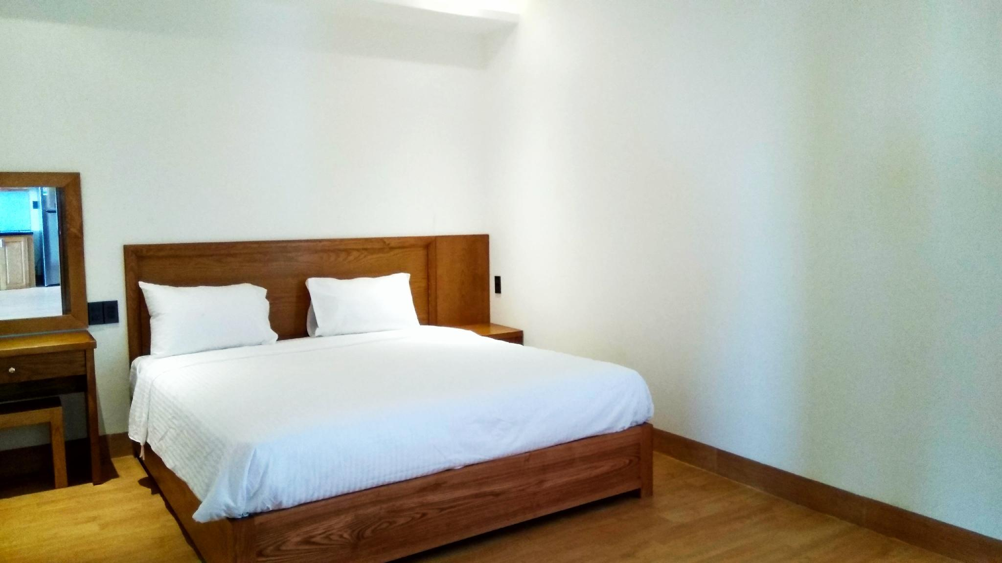 2 bedroom Apartment Near My Khe Beach