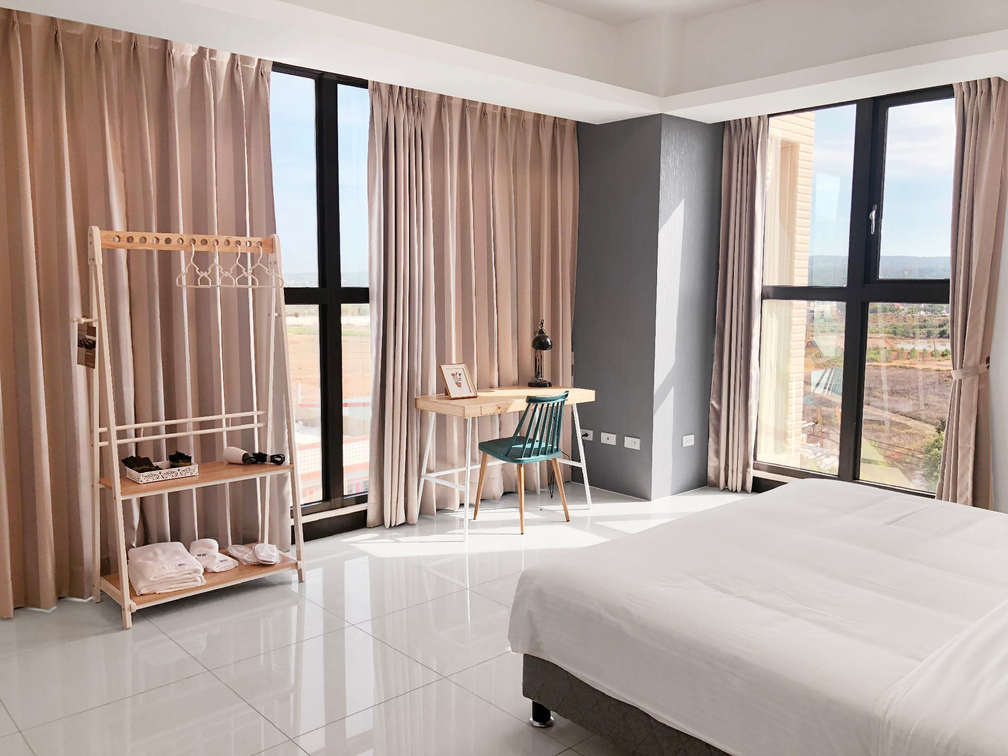 Sea View Penthouse Hotel