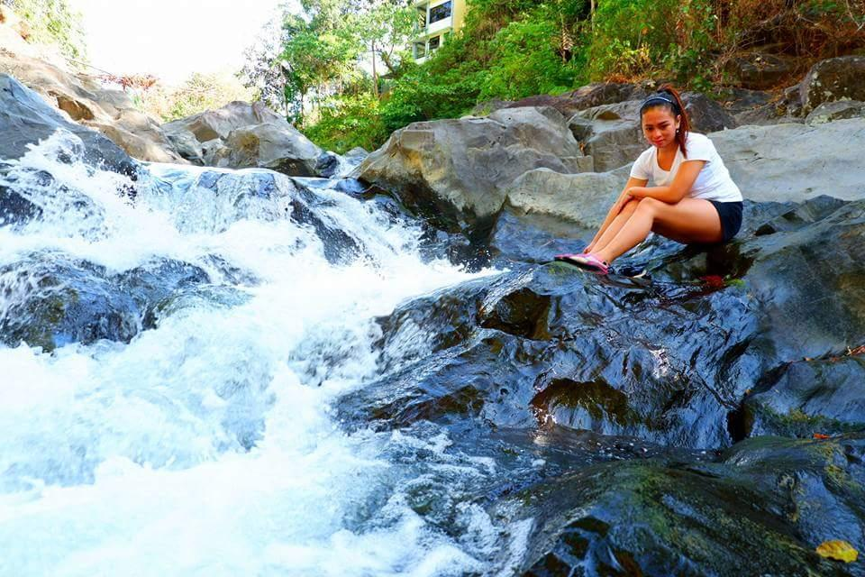 ILOG  YVANDERS NATURES With VIDEOKE AND POOL