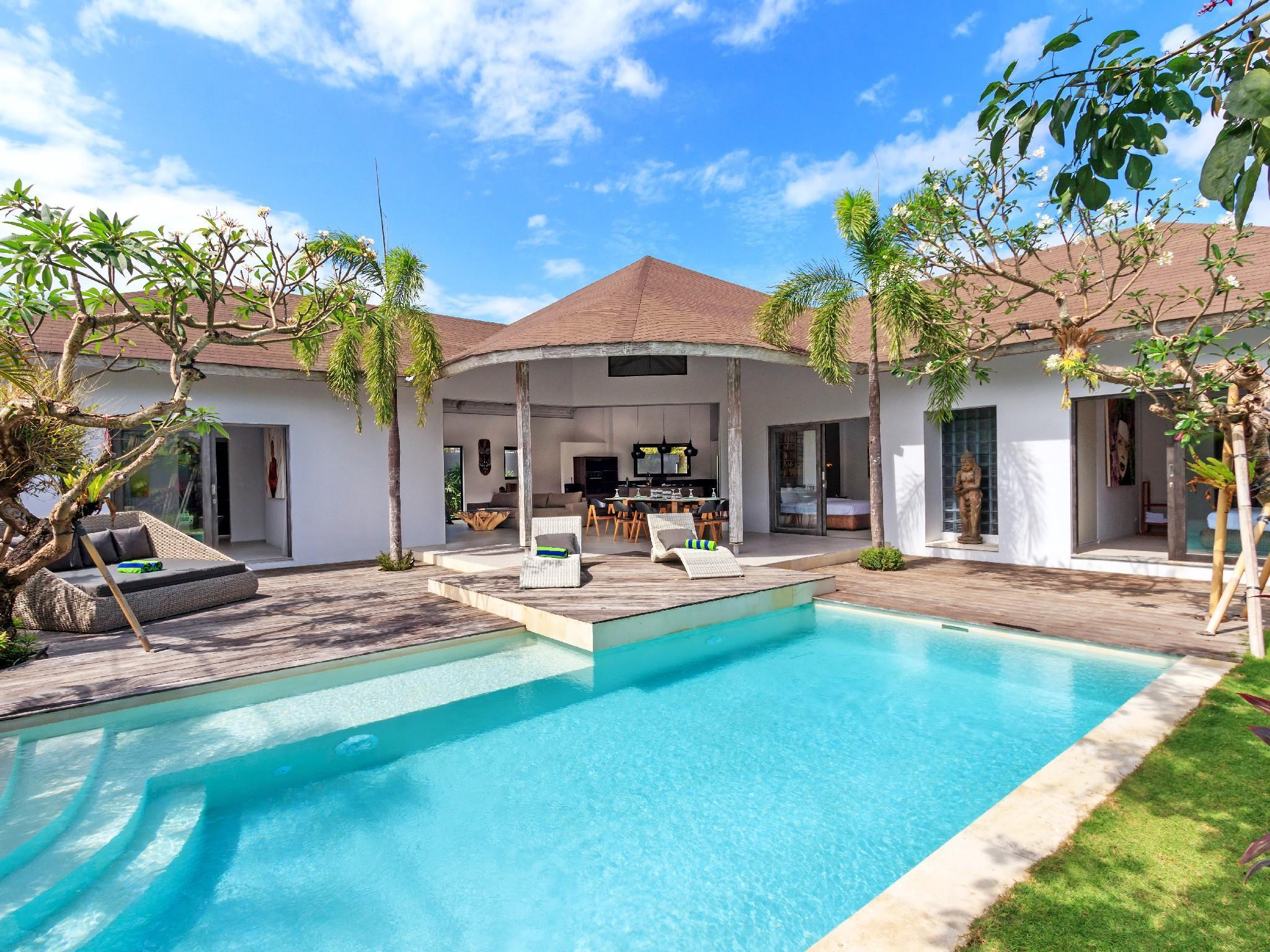 About Soulful, Tropical & Traditional - Villa Ohana 3 BR