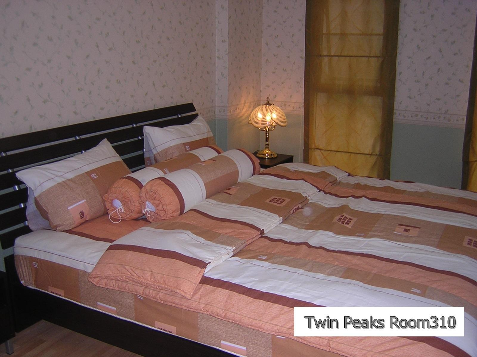Twin Peaks Residence Room. 310