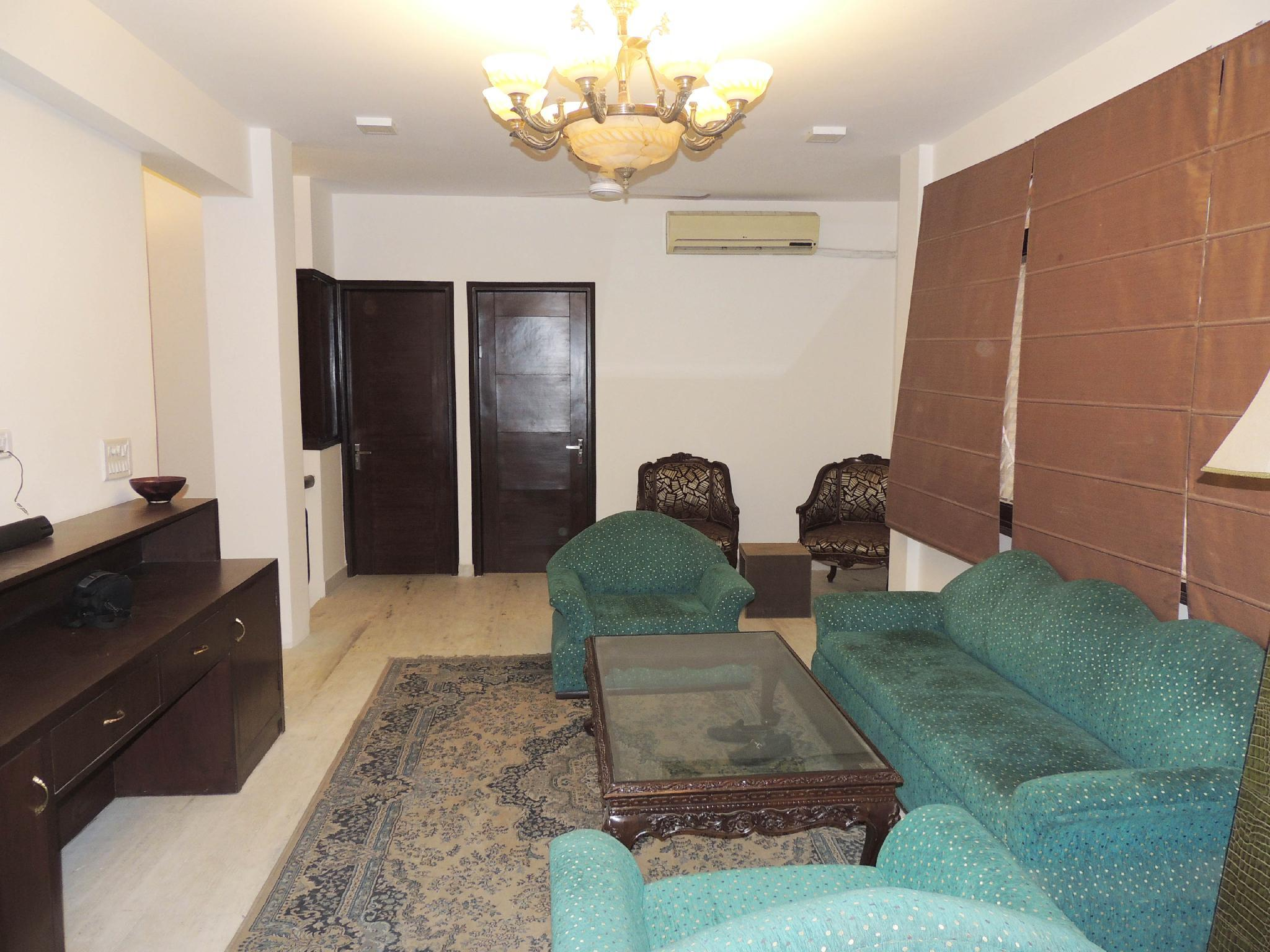 Comfy Clean Apartment On Ground Floor