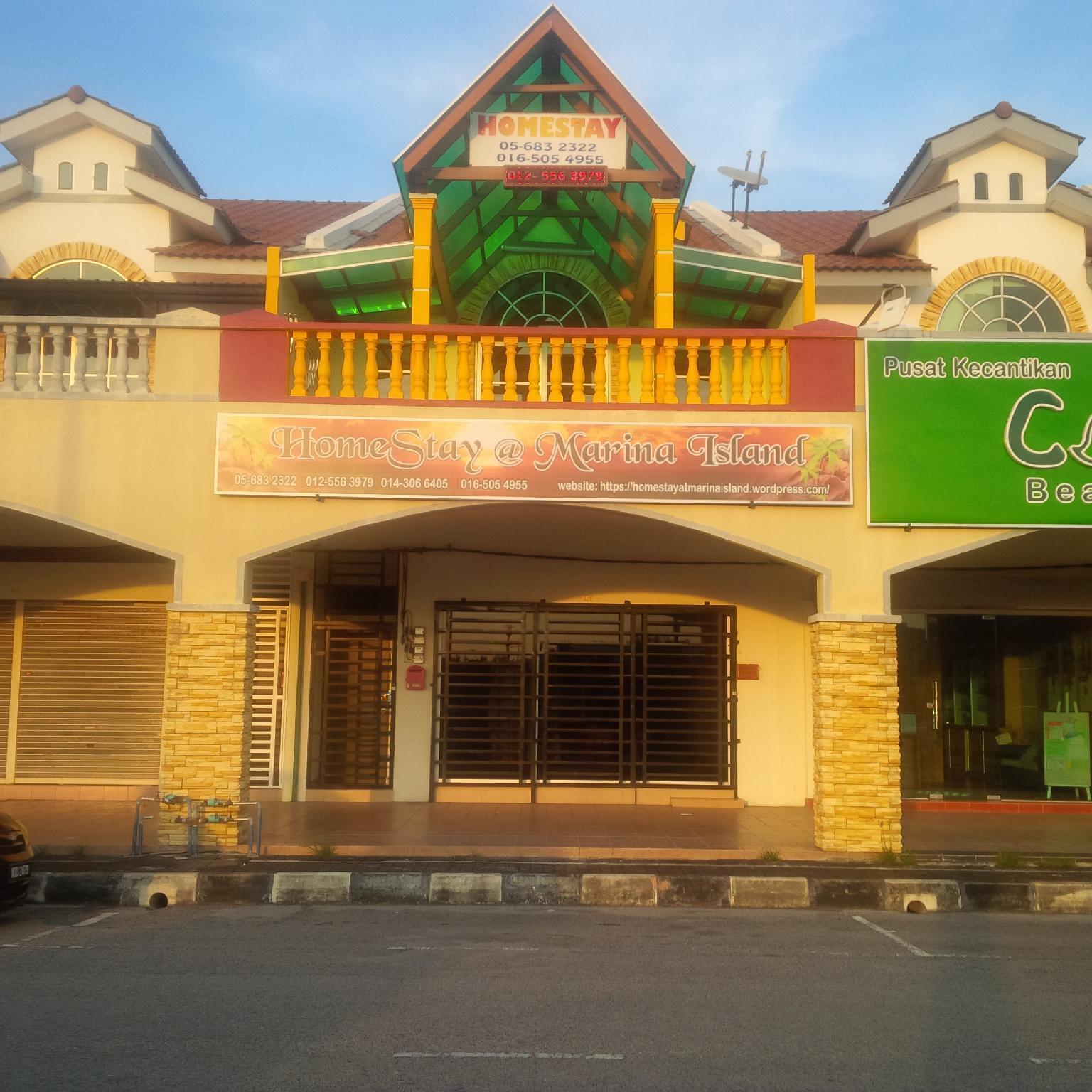 Comfortable brand new Homestay in Marina island