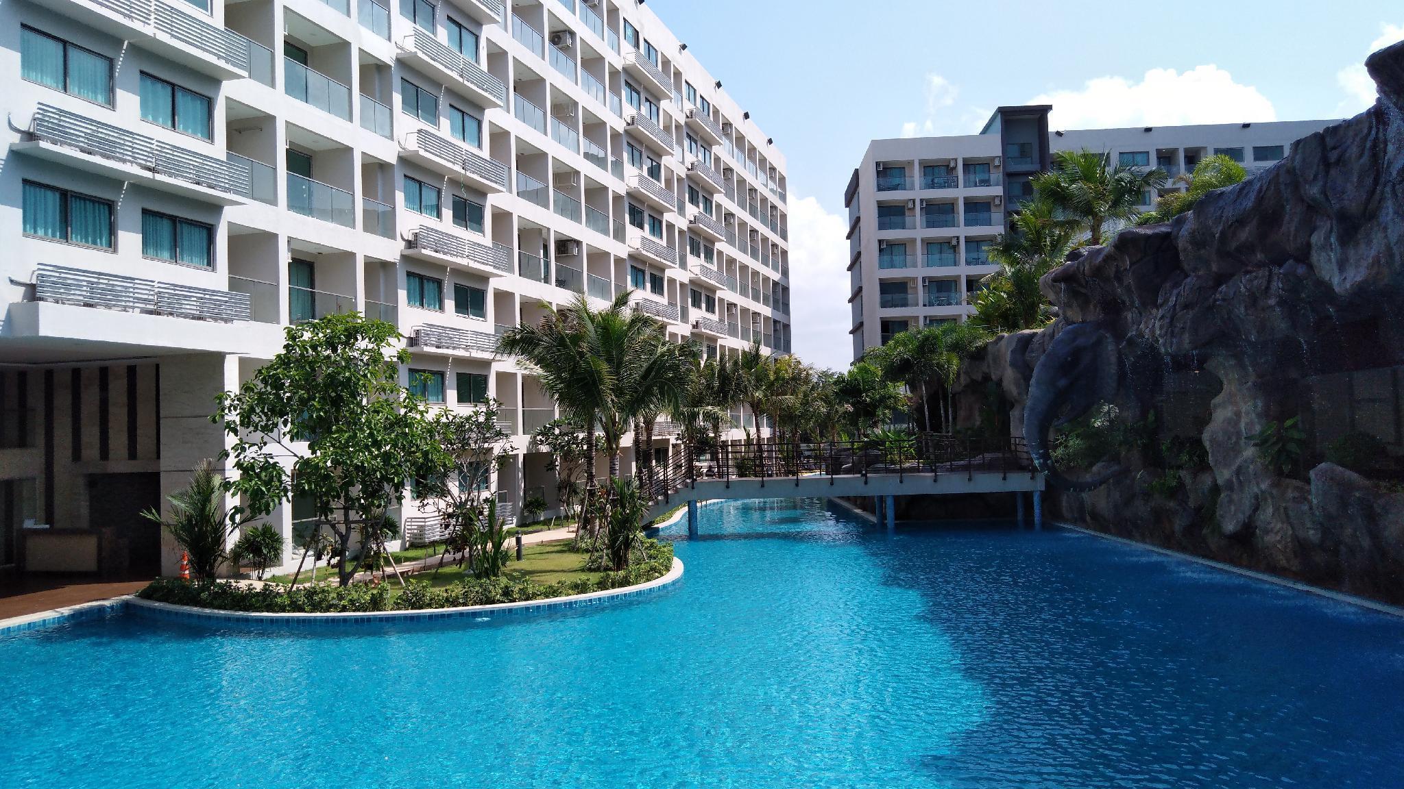 Maldives condo,Pattaya largest swim pool-pool view Maldives condo,Pattaya largest swim pool-pool view