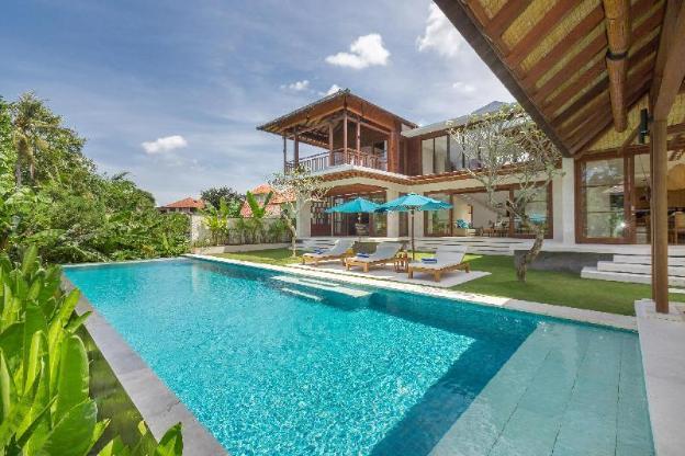 Villa Rusa Biru