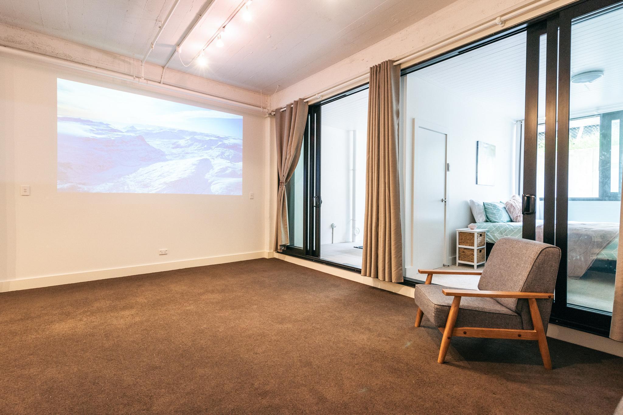 Modern City Centre Pad   Auckland City Centre