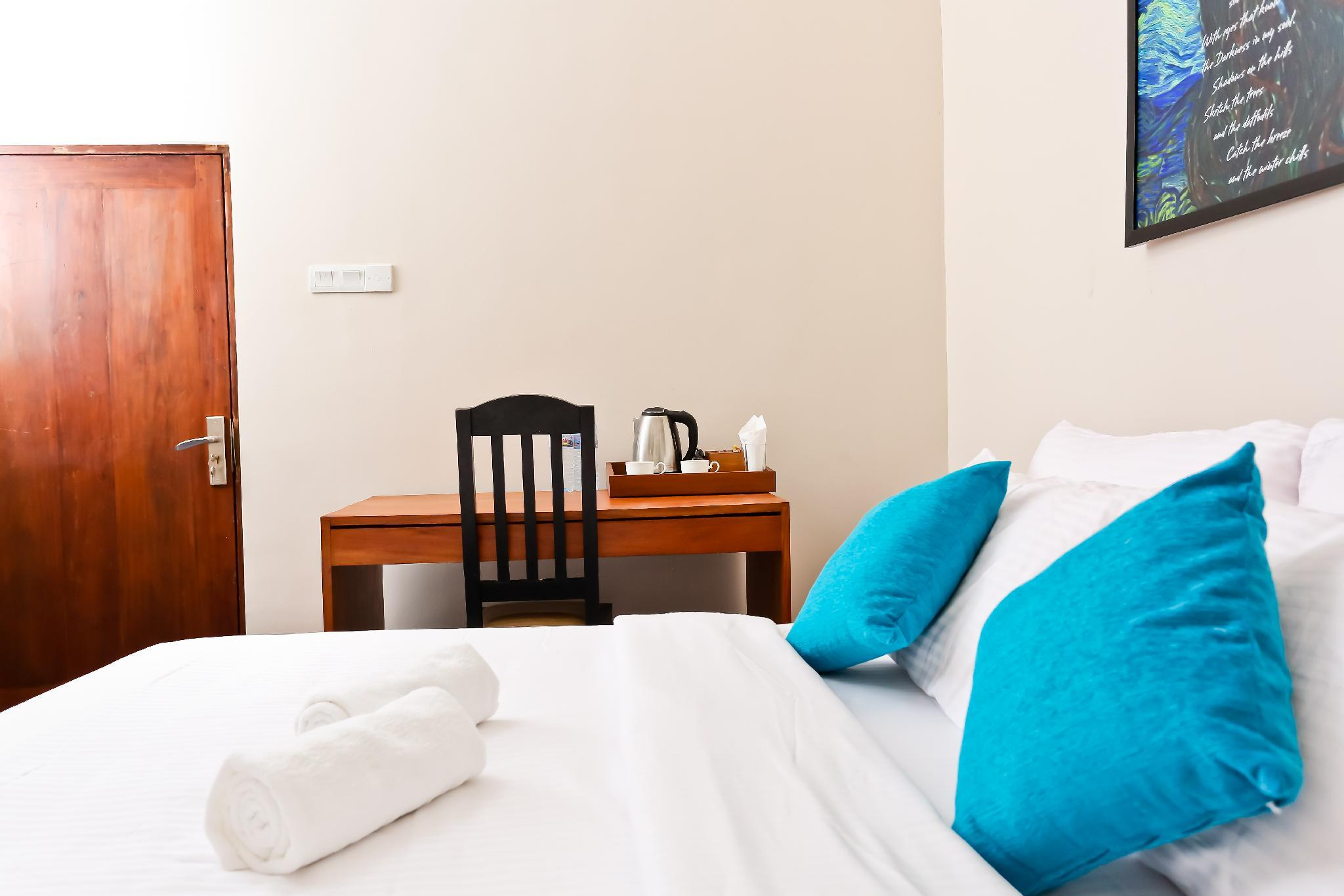 BOOTS Travelers Lodge Negombo