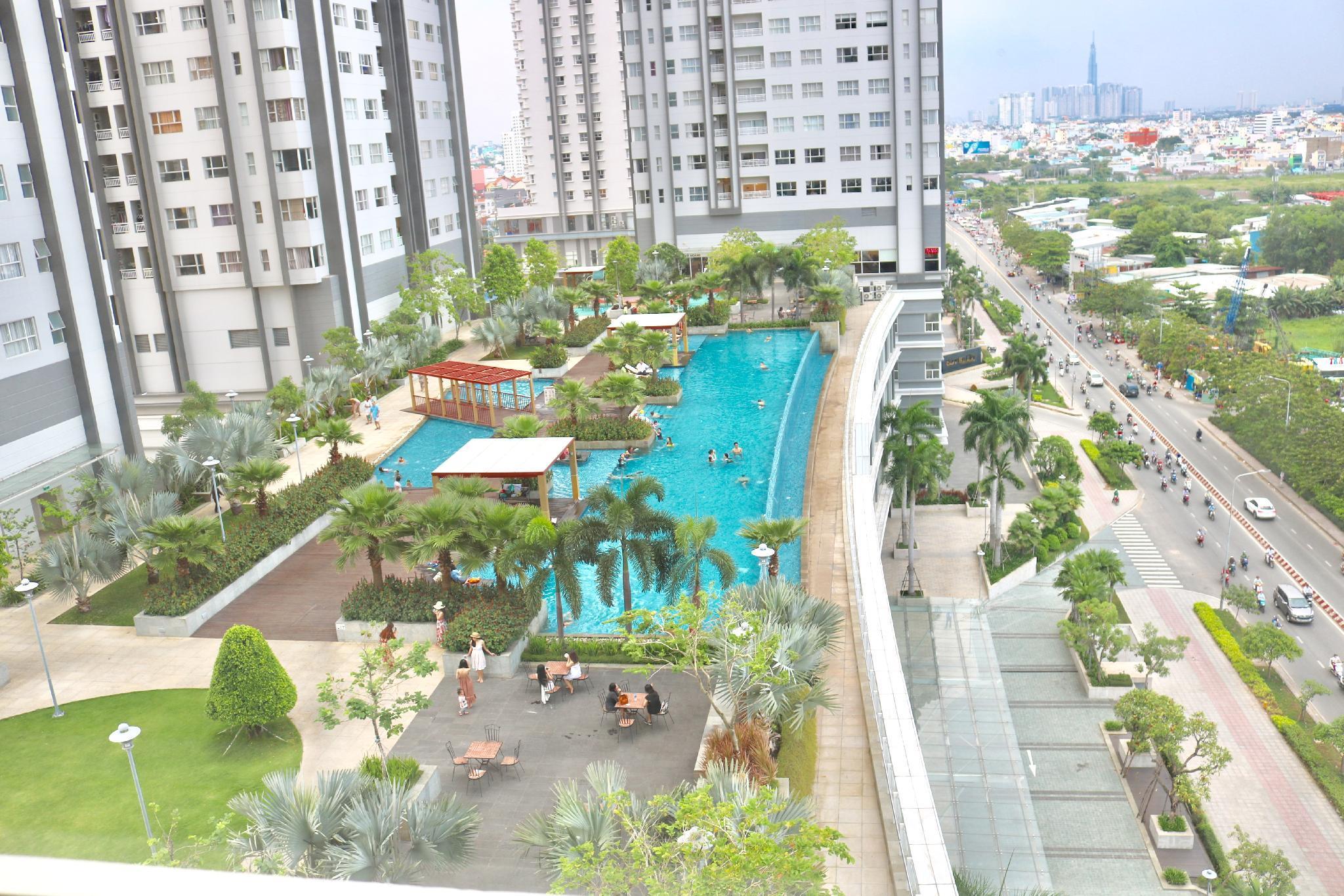 Sunrise City   Lotte 3BR Condo Free Infinity Pool