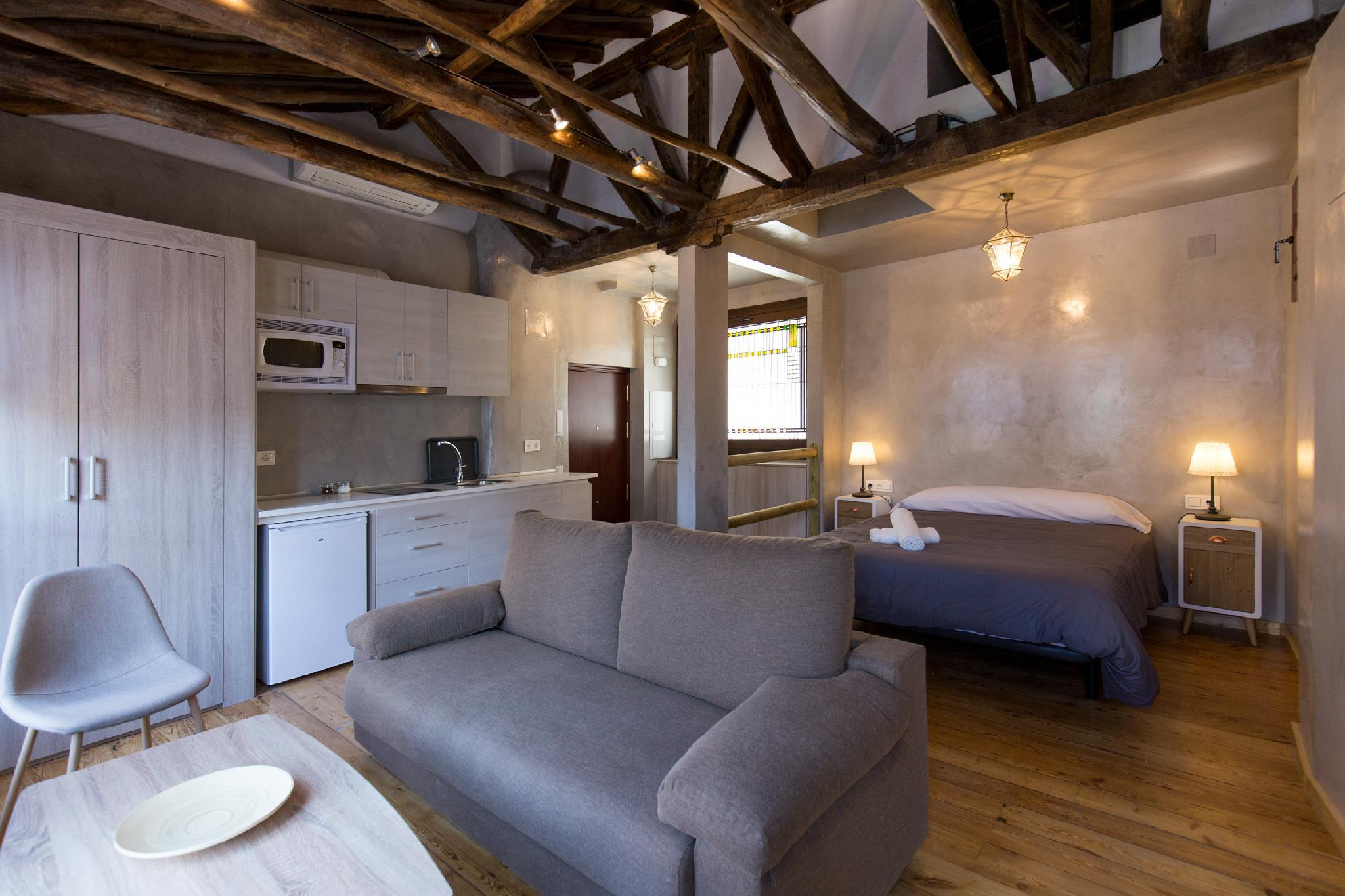 Lovely Studio   Apartment Is By The Cathedral