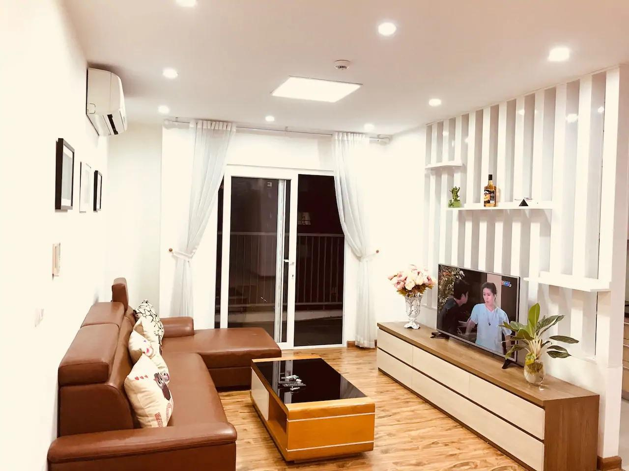 Luxury 3BR Apartment at Golden Palace My Dinh
