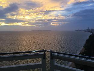 %name Absolute beachfront  romantic and fun getaway .  พัทยา