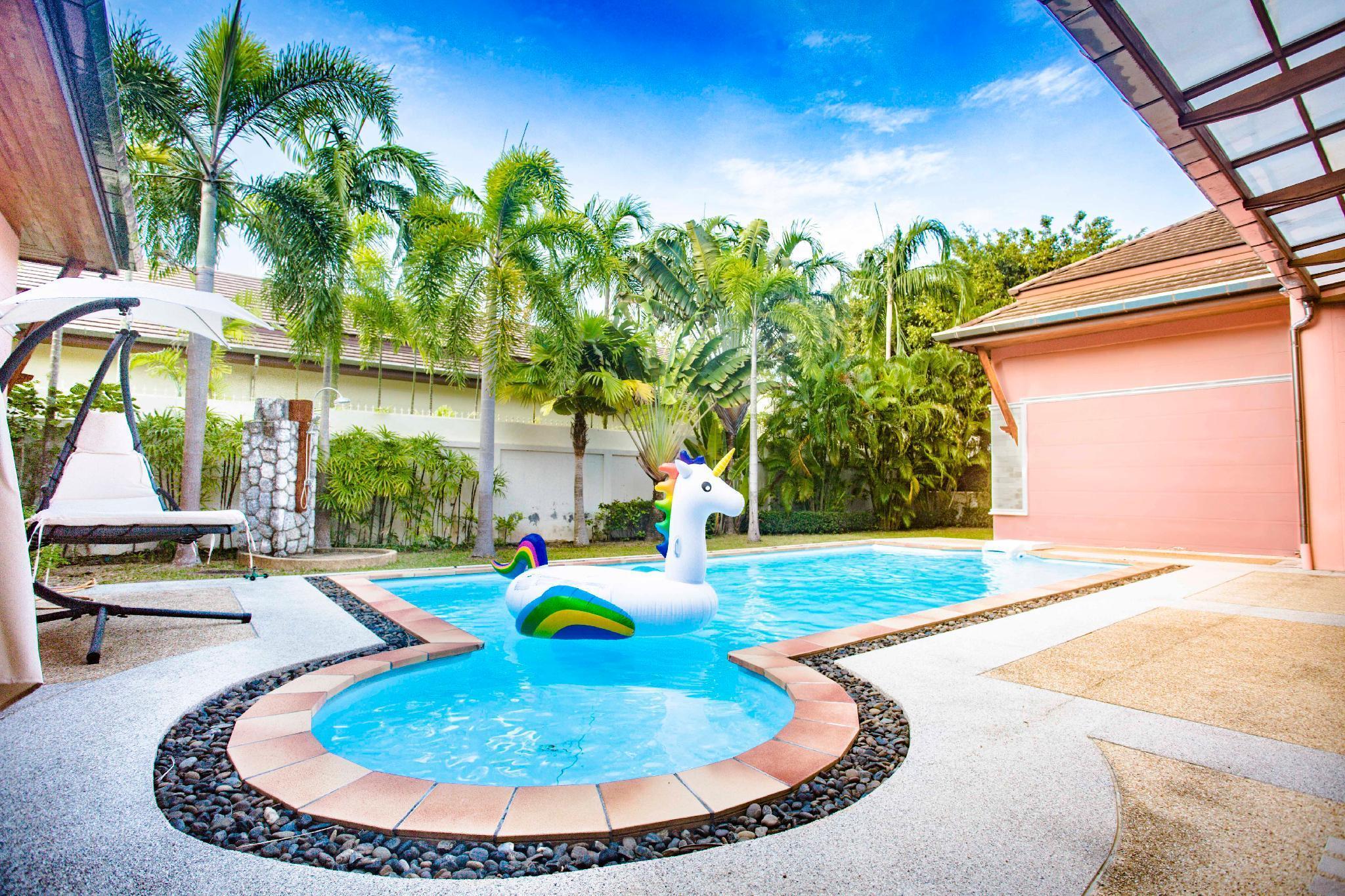Moonrise Villa Phuket, budget private pool villa