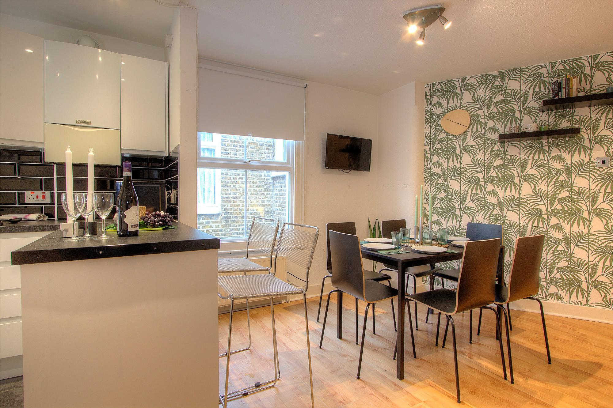 3 Bedroom Apartment in London #QP