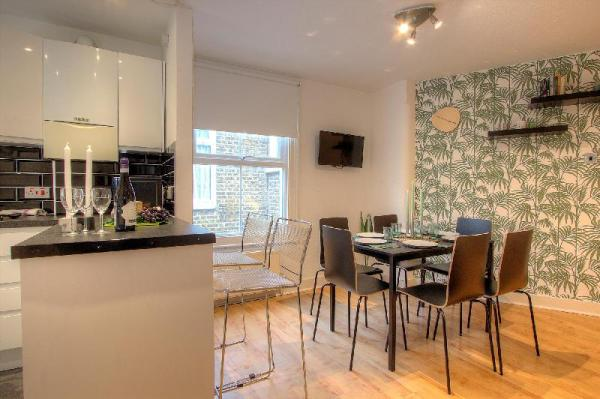 3 Bedroom Apartment in London #QP London