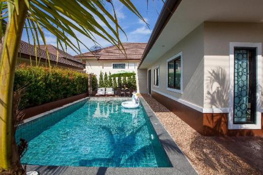 A-One pool villa