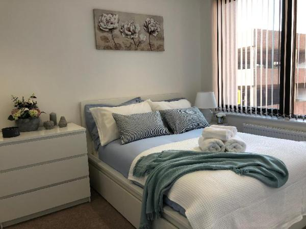 Stunning one bedroom apartment by Creatick Reading