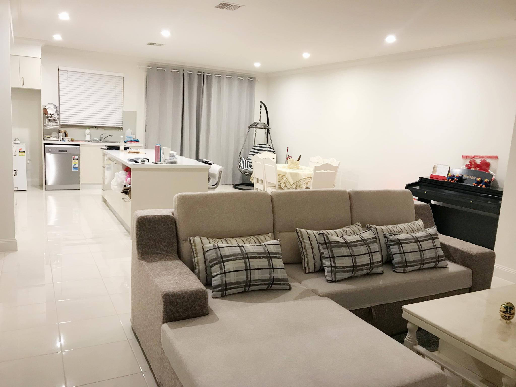 Brand New Stunning Master Room In Great Location