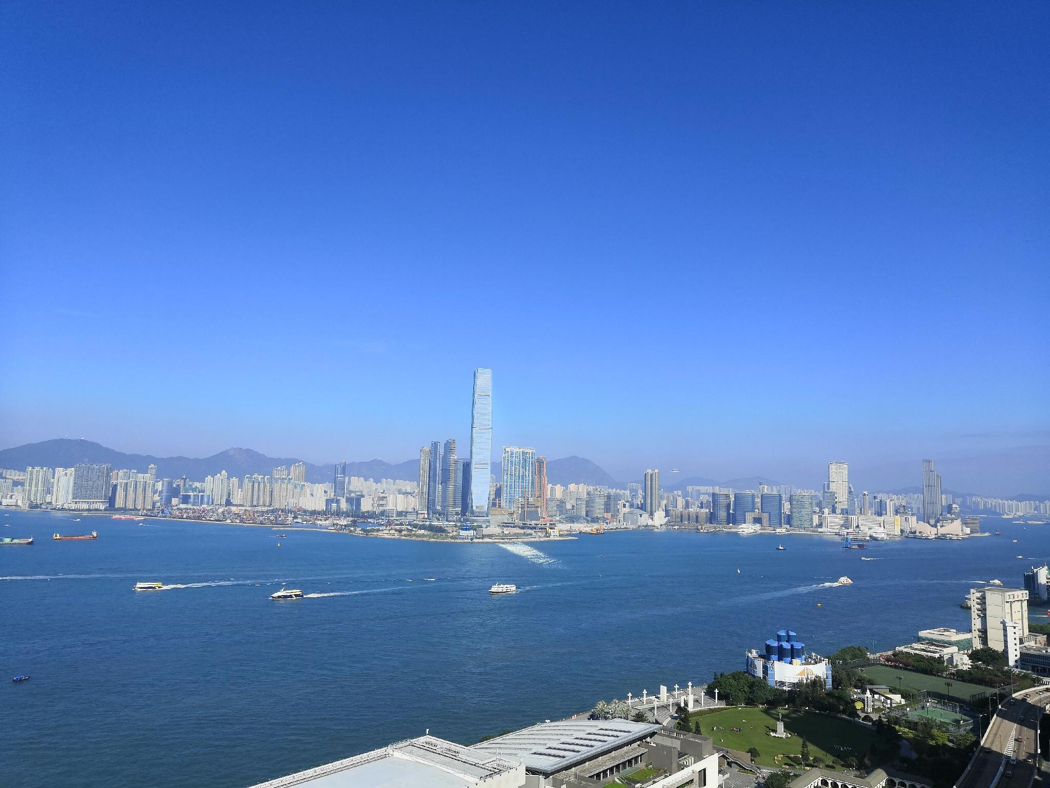 Outdoor House + 180 Degree Victoria Harbour View