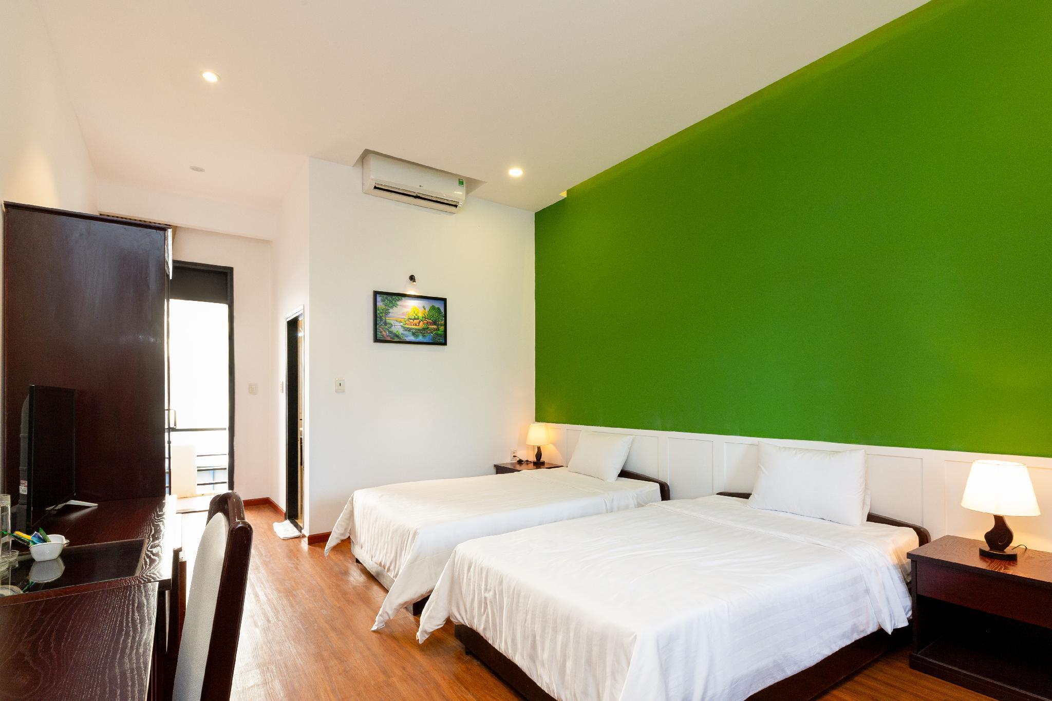 Good Price Nice Room In The Heart Of Saigon